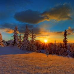 Пазл онлайн: Снежный закат