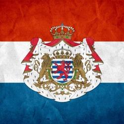 Пазл онлайн: Флаг и герб Люксембурга