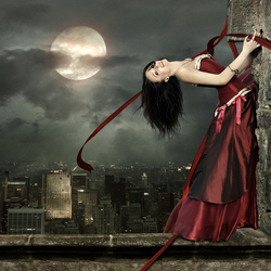 Пазл онлайн: Танцующая в ночи