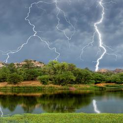 Пазл онлайн: Удар молнии