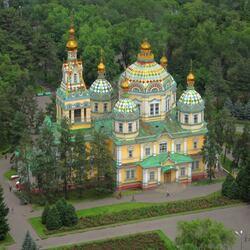 Пазл онлайн: Вознесенский собор в Алма-Ате