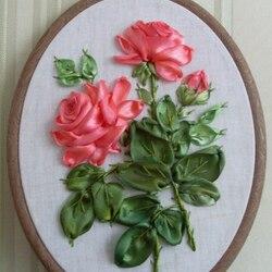 Пазл онлайн: Розы из лент