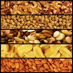 Пазл онлайн: Чищенные орешки
