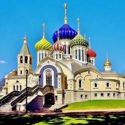 Пазл онлайн: Собор святого благоверного великого князя Игоря Черниговского и Киевского