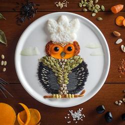 Пазл онлайн: Картины на тарелках