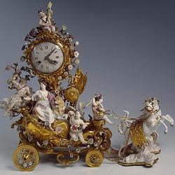 Пазл онлайн: Часы в фарфоре