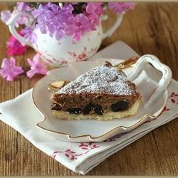 Пазл онлайн: Пирог с черносливом и фундуком