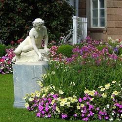 Пазл онлайн: Нимфа в цветах