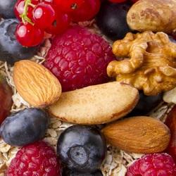 Пазл онлайн: Ягоды и орехи