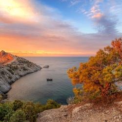 Пазл онлайн: Рассвет в Голубой бухте