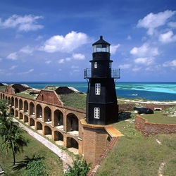 Пазл онлайн: Черный маяк