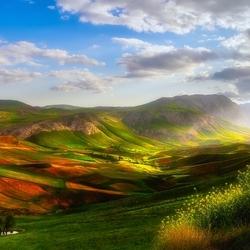 Пазл онлайн: Гористый ландшафт
