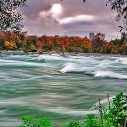 Пазл онлайн: Быстрая река