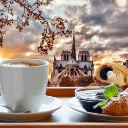 Пазл онлайн: Завтрак в Париже