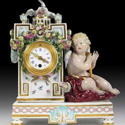 Пазл онлайн: Часы с Амуром