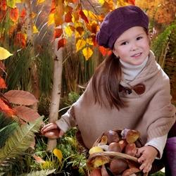 Пазл онлайн: Девочка и осень