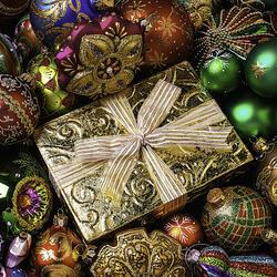 Пазл онлайн: Подарок к празднику