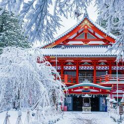 Пазл онлайн: Храм Ната-дэра в снегу