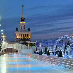 Пазл онлайн: Каток в Москве на ВДНХ