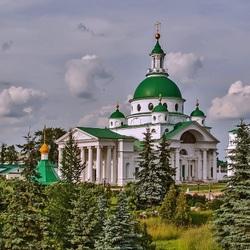 Пазл онлайн: Собор в Ростове Великом