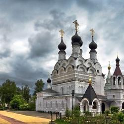 Пазл онлайн: Свято-Троицкий собор