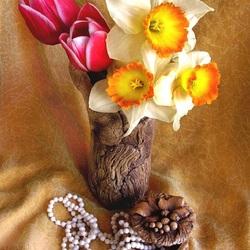 Пазл онлайн: Букет тюльпанов и нарциссов