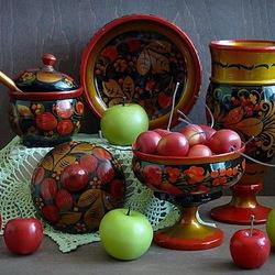 Пазл онлайн: Хохлома и фрукты