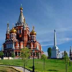 Пазл онлайн: Свято-Михайловский собор в Ижевске