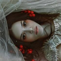 Пазл онлайн: Необычная красотка