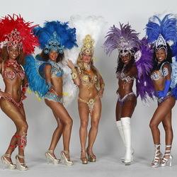 Пазл онлайн: Танцовщицы самбы