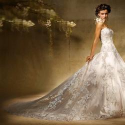 Пазл онлайн: Девушка в свадебном платье