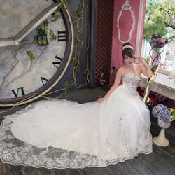 Пазл онлайн: Невеста и часы