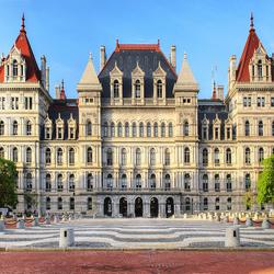 Пазл онлайн: Здание Капитолия Штата Нью-Йорк