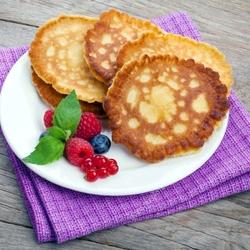 Пазл онлайн: Оладушки с ягодами