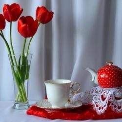 Пазл онлайн: Красный чайник