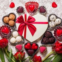 Пазл онлайн: Сердечки и тюльпаны