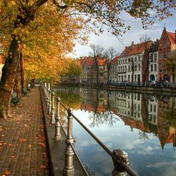Пазл онлайн: Брюгге осенью