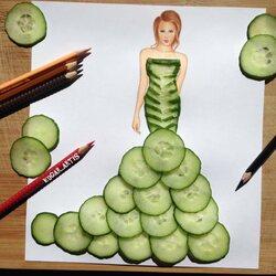 Пазл онлайн: Платье из огурцов