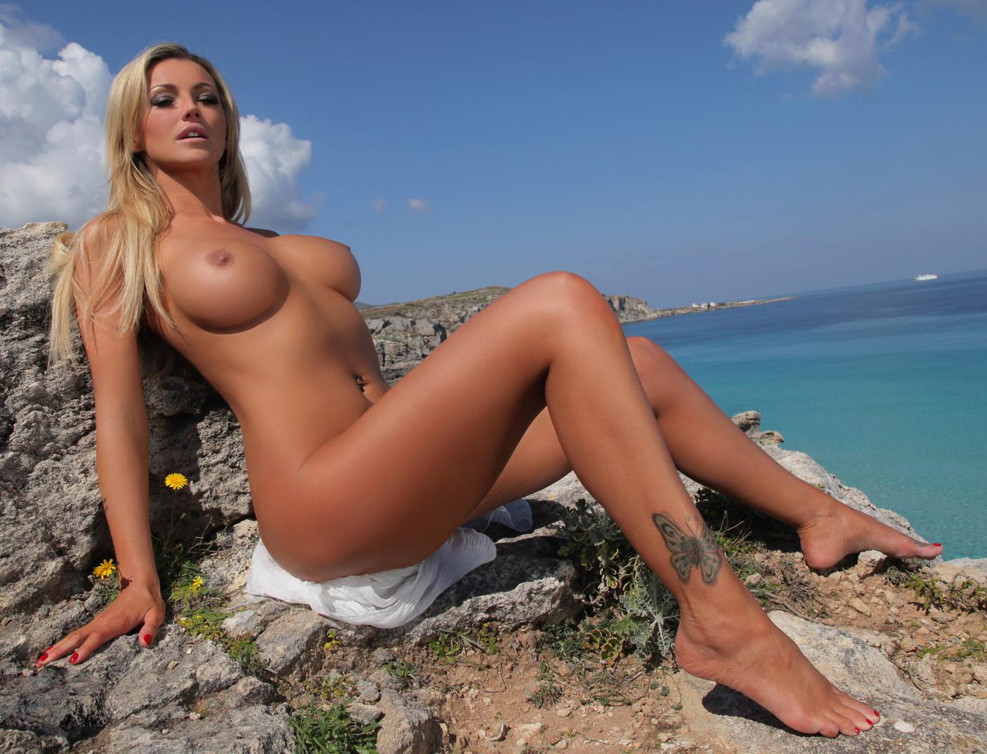 Фотки голых красавец, Голые красотки - фото голых красивых девушек 4 фотография