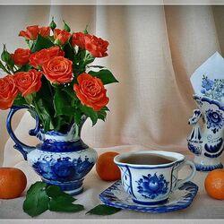 Пазл онлайн: Розы, мандарины, чай