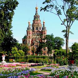 Пазл онлайн: Собор Петра и Павла в Петергофе