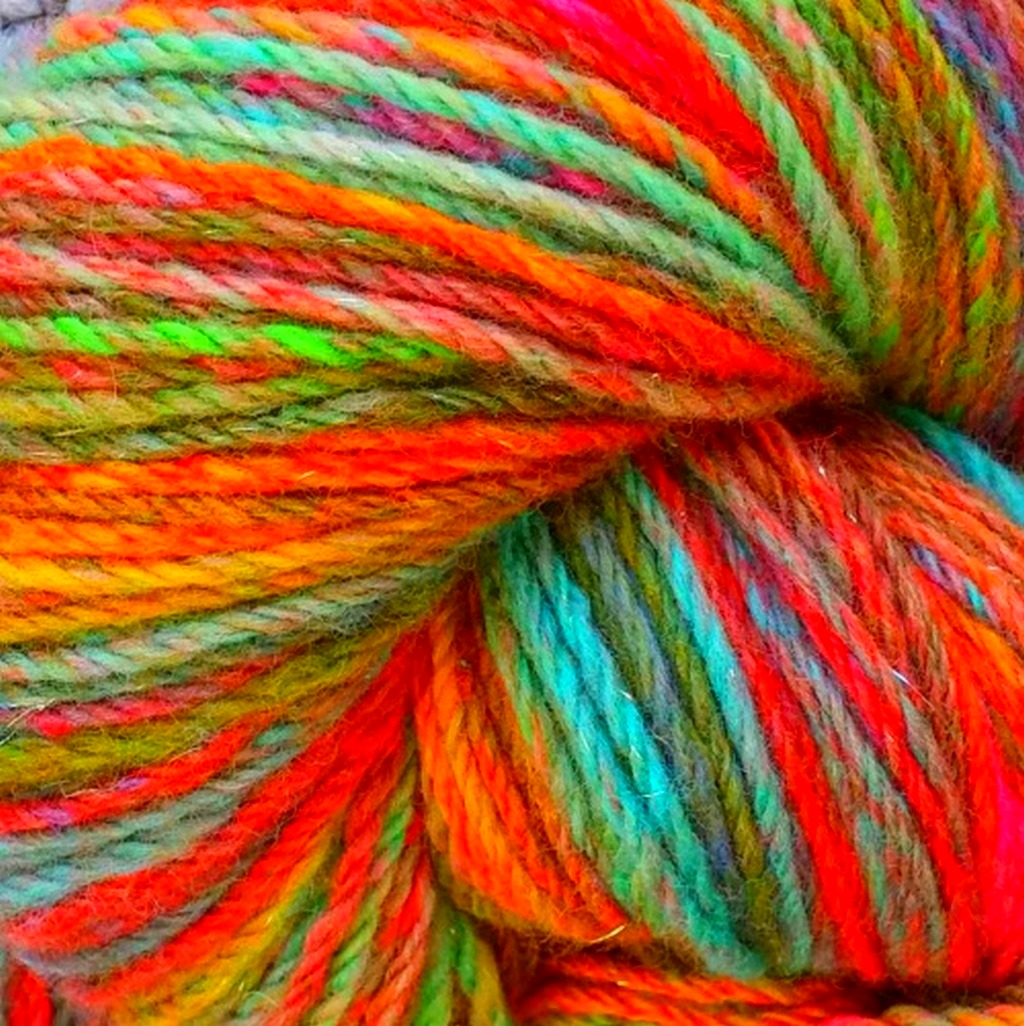 Нитки разноцветные для вязания фото