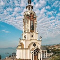 Пазл онлайн: Храм-маяк в Крыму