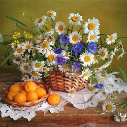 Пазл онлайн: Букет и абрикосы