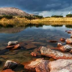 Пазл онлайн: Озеро в Карпатах