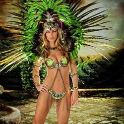 Пазл онлайн: Танцовщица самбы