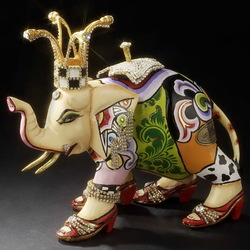 Пазл онлайн: Шкатулка слон Юлиана