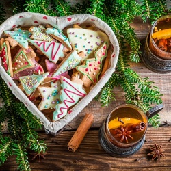 Пазл онлайн: Ароматный чай с печеньем
