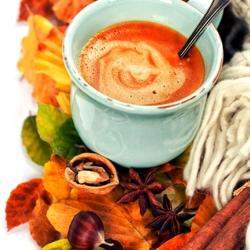 Пазл онлайн: Кофе на осенних листьях