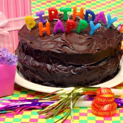 Пазл онлайн: Торт со свечками